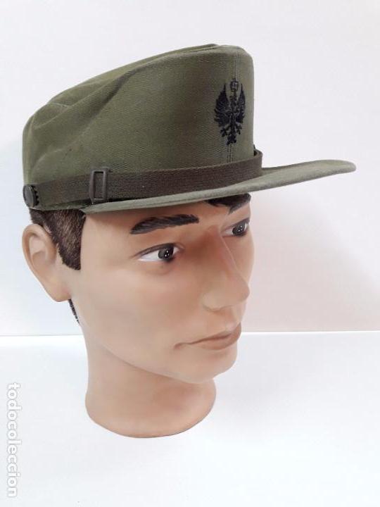 GORRA DE FAENA DEL EJERCITO ESPAÑOL . MAUFACTURAS VALLE S.A. - AÑOS 70 (Militar - Boinas y Gorras )