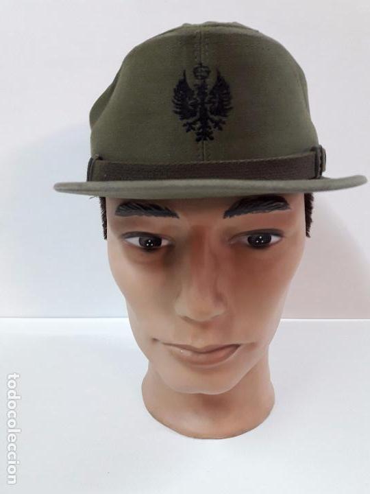 Militaria: GORRA DE FAENA DEL EJERCITO ESPAÑOL . MAUFACTURAS VALLE S.A. - AÑOS 70 - Foto 3 - 99965923
