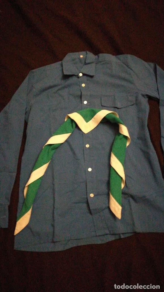 CAMISA Y FOULARD O PAÑOLETA SCOUT. (Militar - Otros relacionados con uniformes )