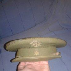 Militaria: GORRA DE PLATO DE ALFEREZ PROVISIONAL BORDADA AÑOS 50. Lote 128552903