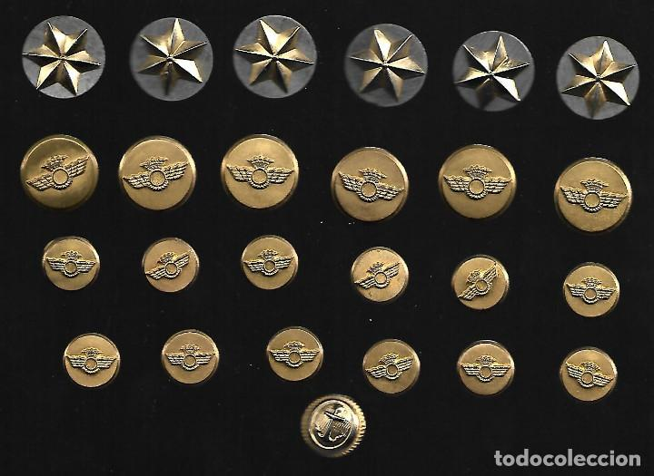 COLECCION DE INSIGNIAS Y BOTONES DEL EJERCITO LOS DE LA FOTO (Militar - Botones )