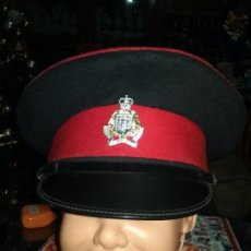 Militaria: REINO UNIDO. GORRA DE PLATO DEL ROYAL GIBRALTAR REGIMENT. ORIGINAL. Lote 107431871