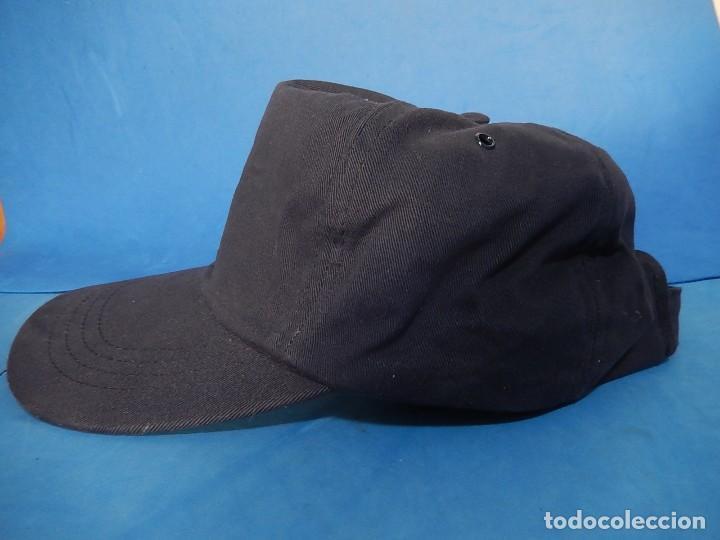 Militaria: Gorra tipo béisbol. Día de las Fuerzas Armadas. 2000. - Foto 2 - 110805359