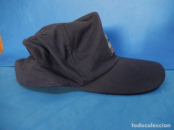 Militaria: Gorra tipo béisbol. Día de las Fuerzas Armadas. 2000. - Foto 4 - 110805359