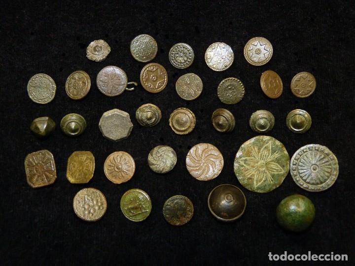 LOTE DE BOTONES ANTIGUOS, CIVILES Y MILITARES. S. XVIII-XIX (Militar - Botones )