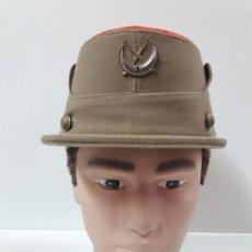 Militaria: GORRA ORIGINAL DE REGULARES . M. VALLE . TALLA 55. Lote 115389375