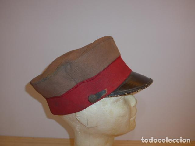 Militaria: Antigua y rara gorra española a identificar, de años 40 parece. - Foto 3 - 117739023