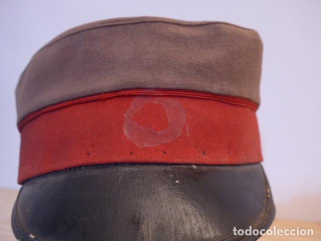Militaria: Antigua y rara gorra española a identificar, de años 40 parece. - Foto 8 - 117739023
