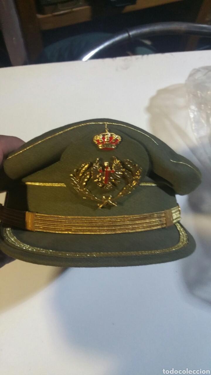 Gorra de plato para oficial del ejército de tierra talla 55 nueva a  estrenar - España 108d027ae53