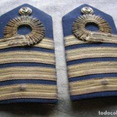Militaria: ANTIGUAS HOMBRERAS DE LA DE CAPITAN DE NAVIO DE LA ARMADA. EPOCA DE FRANCO.. Lote 118395443