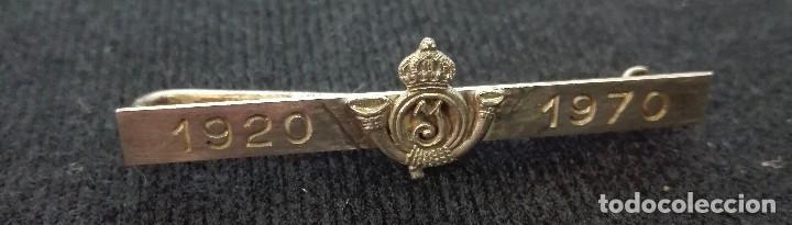 SUJETACORBATAS 50 ANIVERSARIO PROMOCIÓN 1920 (Militar - Otros relacionados con uniformes )