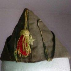 Militaria: GORRO CUARTELERO REGLAMENTO DE 1943. ALFÉREZ, TALLA PEQUEÑA.. Lote 127118867