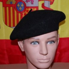 Militaria: BOINA NEGRA ELOSEGUI TALLA 55/56. Lote 132695046