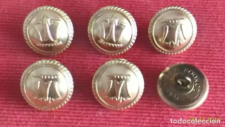 Militaria: Seis botones. Insignia militar. London Gaunt. Grandes. Metal. Medidas: Diámetro 2,5 cm. - Foto 2 - 134163638