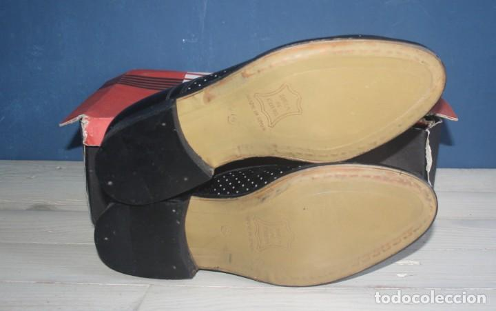 Militaria: Zapatos Vintage de Hombre - Caballero - Marzo -Talla 39 - lote 6 - Correos - Foto 2 - 134562406