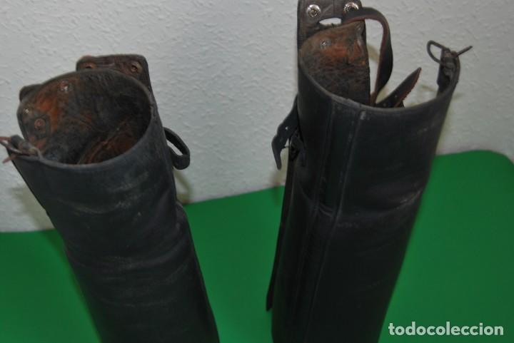 Militaria: ANTIGUAS POLAINAS DE CUERO - ESPINILLERAS - UNIFORME MILITAR - EQUITACIÓN - Foto 2 - 135097570