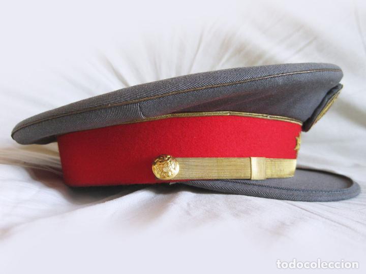 Militaria: GORRA DE PLATO DE CAPITÁN DE LA POLICÍA ARMADA - TALLA 56 APROXIMADAMENTE - Foto 3 - 135224406