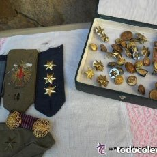 Militaria: INSIGNIAS - BOTONES Y DISTINTIVOS MILITARES. Lote 135371446