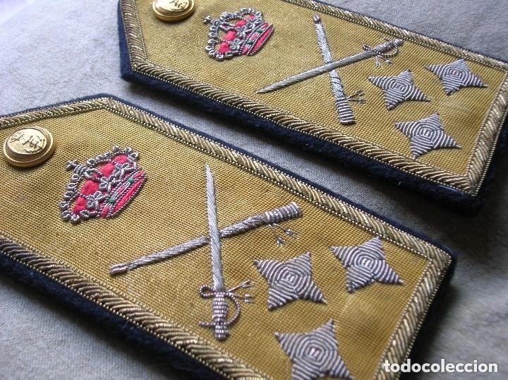 ANTIGUAS HOMBRERAS DE ALMIRANT. EPOCA DE LA TRANSICIÓN. (Militar - Otros relacionados con uniformes )