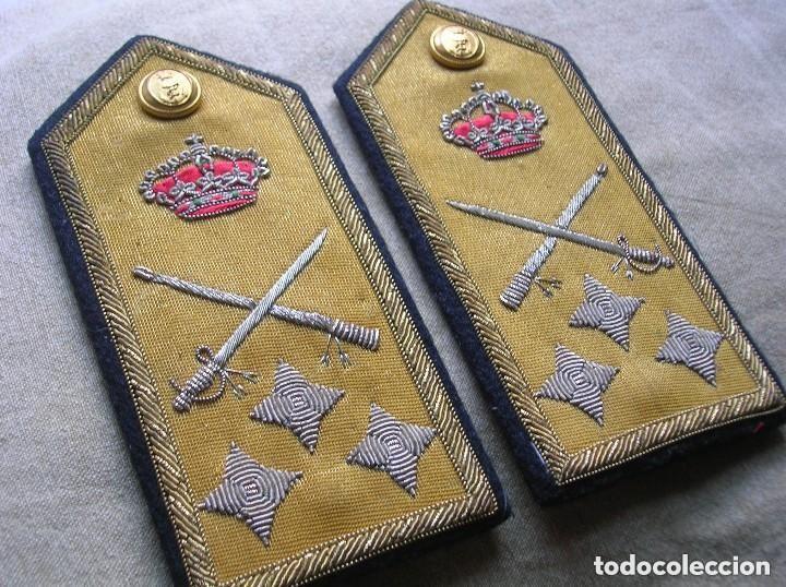 Militaria: ANTIGUAS HOMBRERAS DE ALMIRANT. EPOCA DE LA TRANSICIÓN. - Foto 5 - 135482446