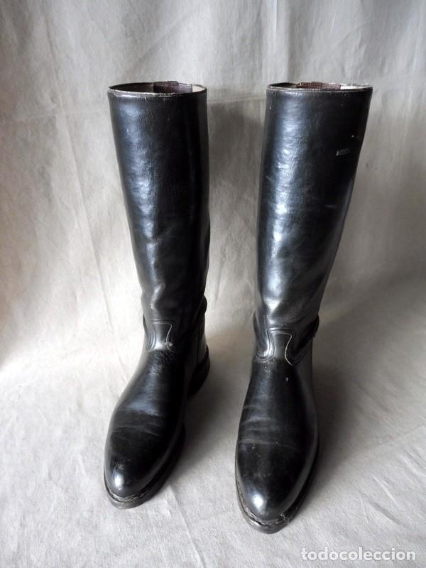 BOTAS DE MONTAR DE PIEL ANTIGUAS (Militar - Botas y Calzado)