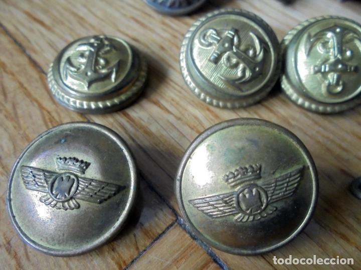 Militaria: Lote de botones militares.Armada,Aviación,Policía Nacional y Municipal - Foto 2 - 135936022