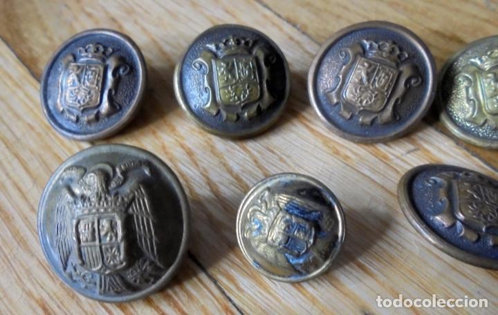 Militaria: Lote de botones militares.Armada,Aviación,Policía Nacional y Municipal - Foto 4 - 135936022