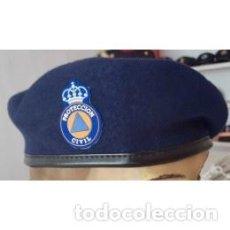 Militaria: BOINA DE PROTECCION CIVIL EN COLOR AZUL INCLUIDO PARCHE TALLAS DE LA 54 A LA 60. Lote 136166998