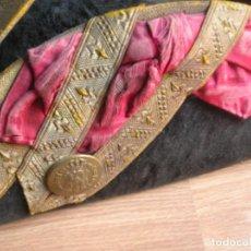 Militaria: MUY ANTIGUO TRICORNIO ISABELINO, ALFONSINO. S. XIX-S.XX. CASA REAL.. Lote 136170126