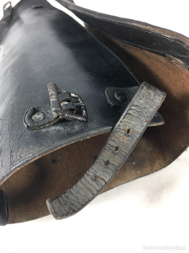 Militaria: Pareja de antiguas polainas cubre botas de cuero - Equitación - Equipamiento militar - Foto 9 - 138804144