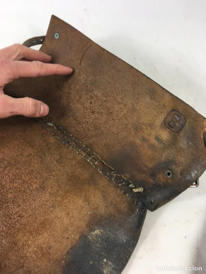 Militaria: Pareja de antiguas polainas cubre botas de cuero - Equitación - Equipamiento militar - Foto 10 - 138804144