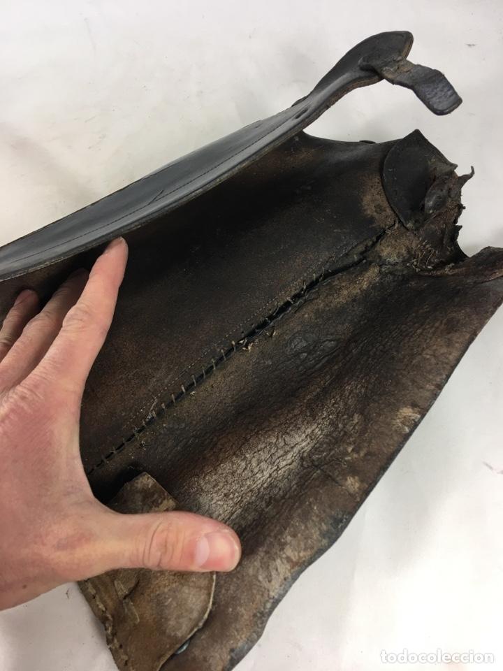 Militaria: Pareja de antiguas polainas cubre botas de cuero - Equitación - Equipamiento militar - Foto 12 - 138804144