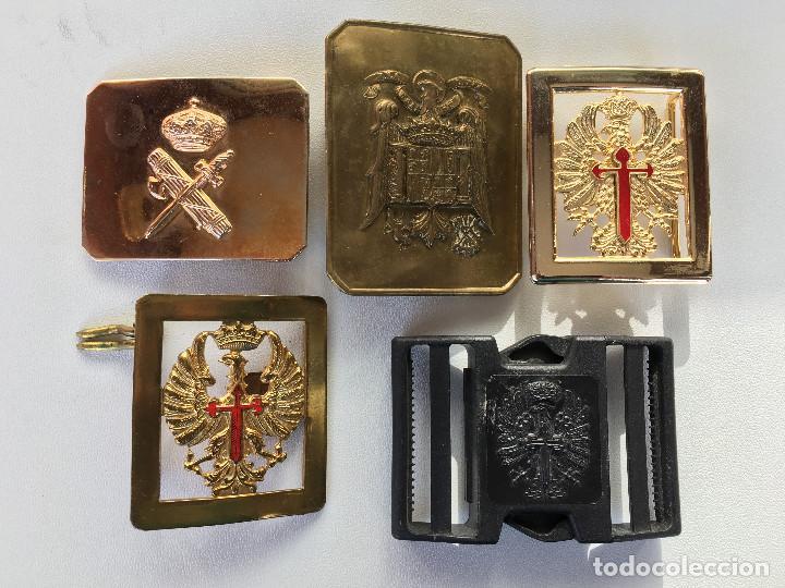 VARIAS HEBILLAS (Militar - Otros relacionados con uniformes )