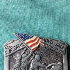 Militaria: US MARINES /IWO JIMA /MT SURIBACHI / AÑO 1982 BARON AND BUCKLES. Lote 140695282