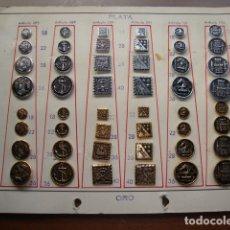 Militaria: MUY RARA COLECCION COMPLETA DE 48 BOTONES COLOR PLATA Y ORO. Lote 141552438