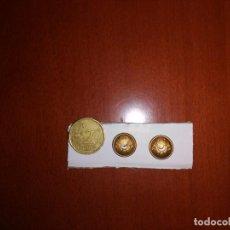 Militaria: 2 BOTONES DE REGULARES CABALLERIA. Lote 142098734