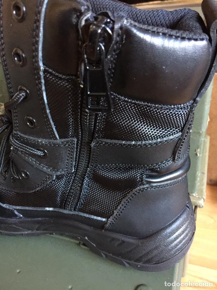Militaria: Botas NUEVAS tipo policial negras con cordones y cremallera. - Foto 2 - 142709769