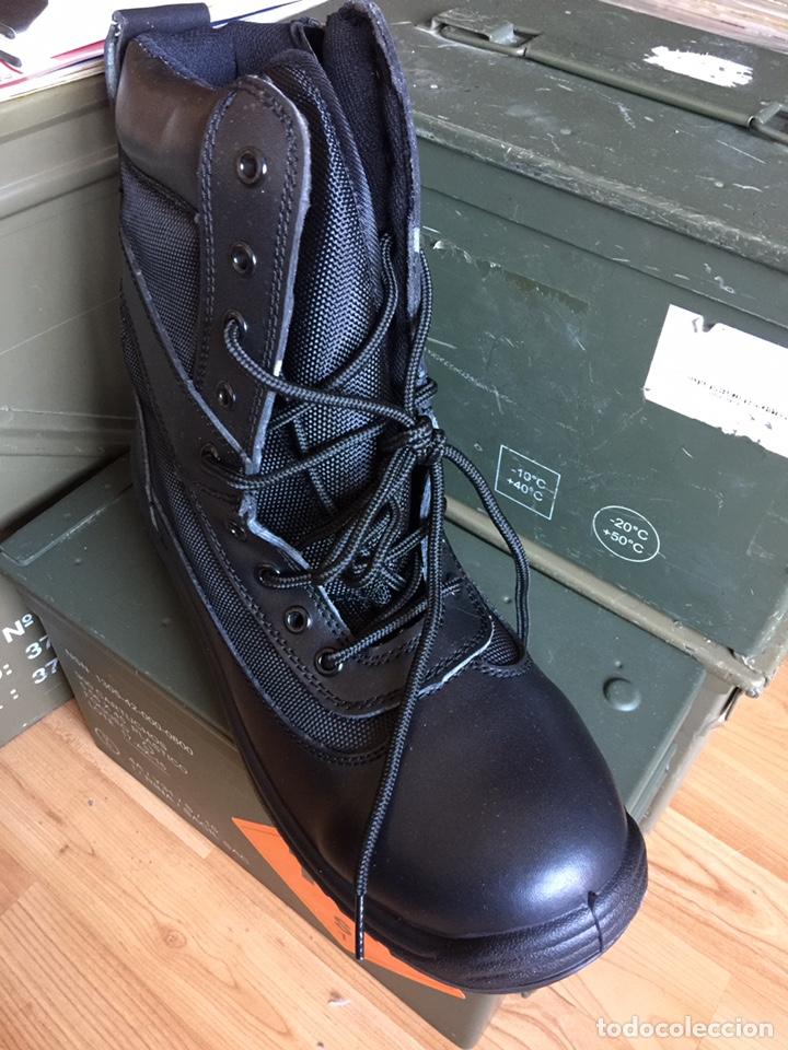 Militaria: Botas NUEVAS tipo policial negras con cordones y cremallera. - Foto 3 - 142709769