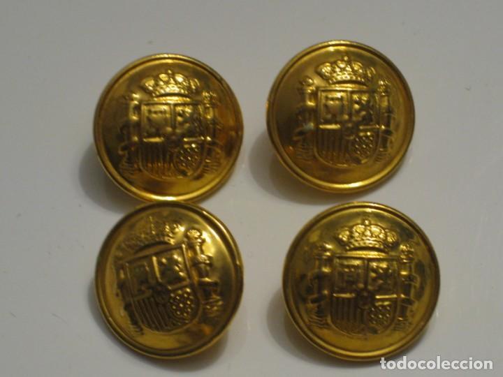 Militaria: 7 botones escudo de España. - Foto 2 - 143261478