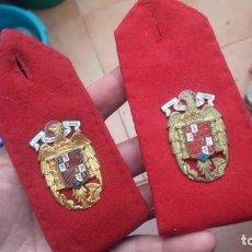 Militaria: HOMBRERAS REGIMIENTO DE FRANCO NUEVAS. Lote 143489034