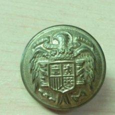 Militaria: BOTÓN ET MODELO 1939 26 MM SEMIABOMBADO CON FILO COLOR ORO. Lote 146968602