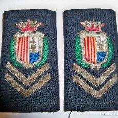 Militaria: ANTIGUAS HOMBRERAS BORDADAS DE POLICÍA MUNICIPAL DE SANTA POLA. Lote 148231730