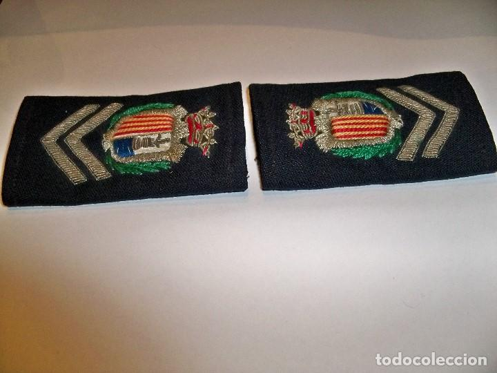 Militaria: Antiguas hombreras bordadas de policía municipal de Santa Pola - Foto 4 - 148231730