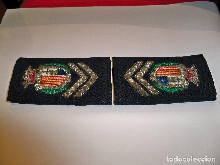 Militaria: Antiguas hombreras bordadas de policía municipal de Santa Pola - Foto 5 - 148231730