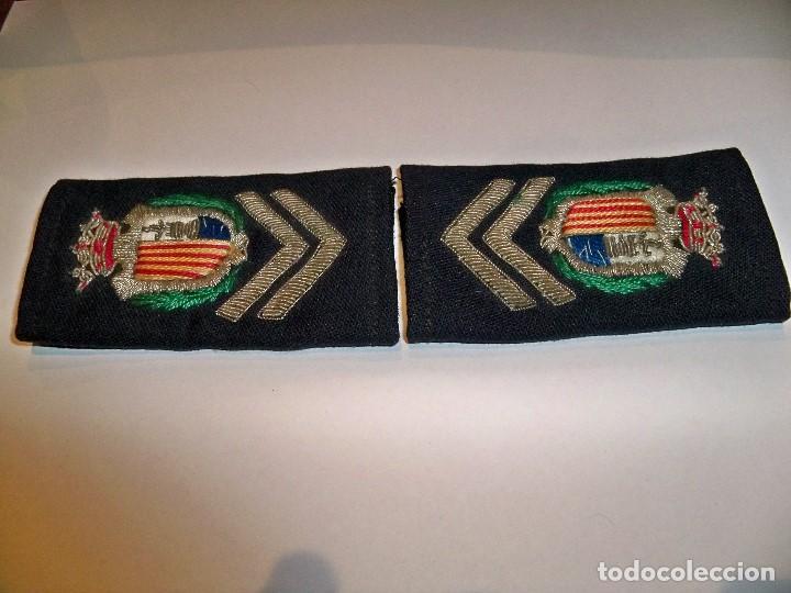 Militaria: Antiguas hombreras bordadas de policía municipal de Santa Pola - Foto 6 - 148231730