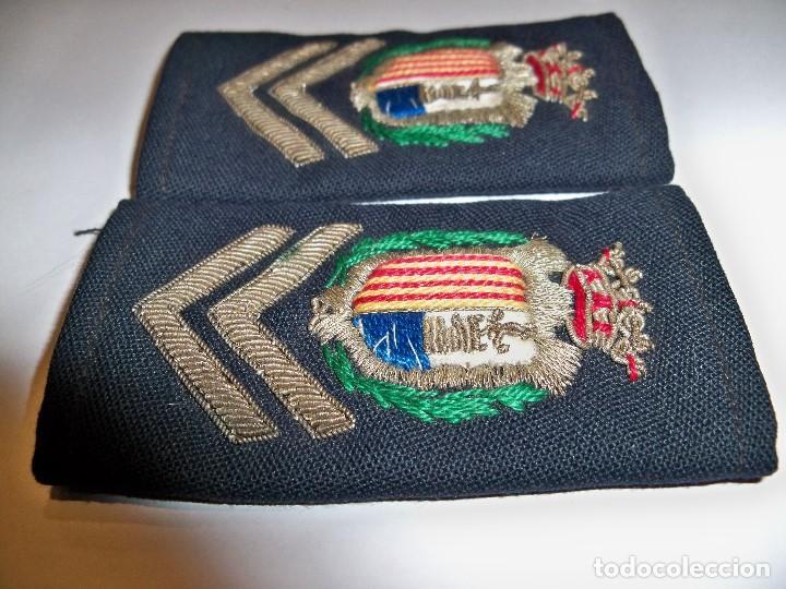 Militaria: Antiguas hombreras bordadas de policía municipal de Santa Pola - Foto 8 - 148231730