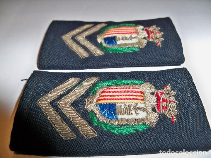 Militaria: Antiguas hombreras bordadas de policía municipal de Santa Pola - Foto 10 - 148231730