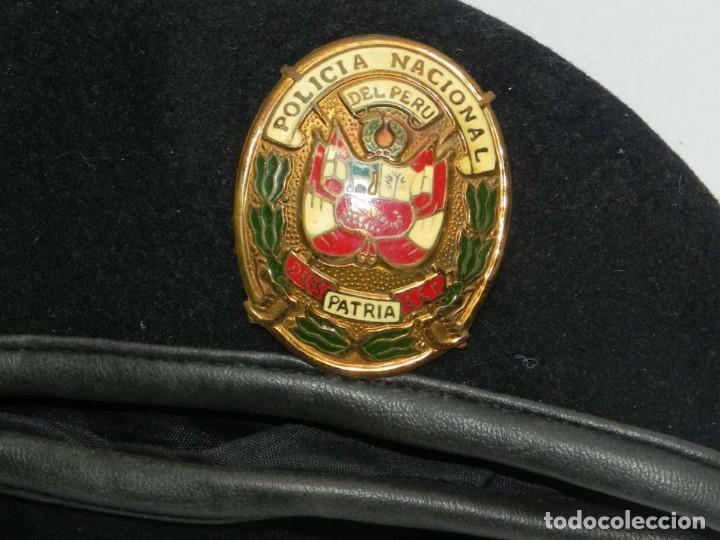Militaria: ANTIGUA GORRA POLICIA NACIONAL DEL PERU, DIOS PATRIA LEY, PRECIOSA PLACA ESMALTADA, 54 CMS DE DIAMET - Foto 3 - 151934834
