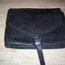 Militaria: ANTIGUA CARTERA DE CAMINOS DE GUARDIA CIVIL. Lote 152601126
