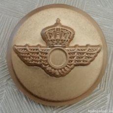 Militaria: LOTE DE 10 BOTONES DORADOS CHAQUETA AMERICANA DEL EJÉRCITO DEL ÁIRE DE ESPAÑA. Lote 153086036